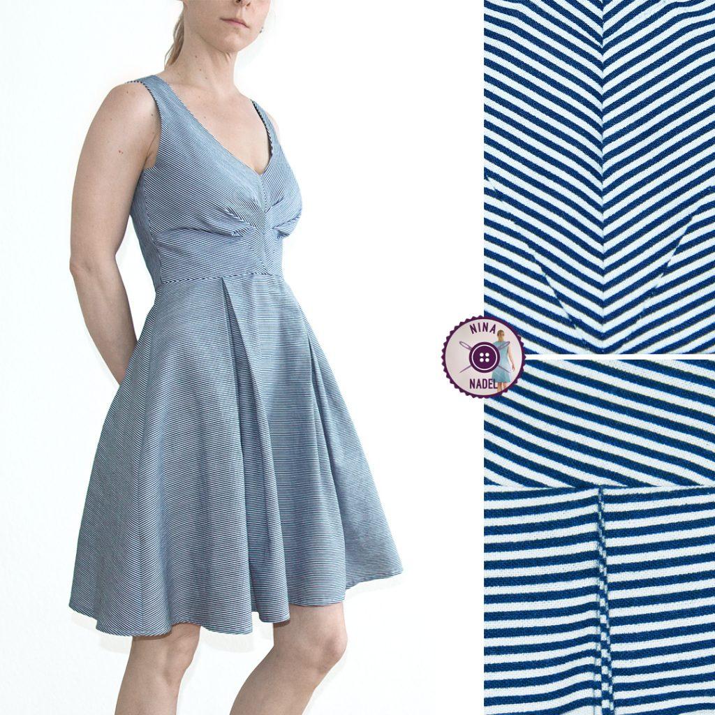 Kleid: Streifen & Falten